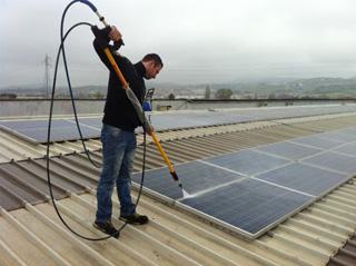 Attrezzi pulizia pannelli fotovoltaici
